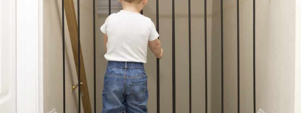 13 Best Baby Gates for Stairs with Banisters: Review Guide